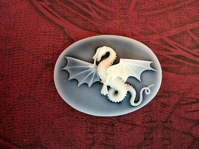 40x30mm Dragon Cameo (1) - L686  Jewelry Finding