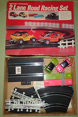 2 LANE ROAD RACING SET - 1970s / BATTERY OPERATED