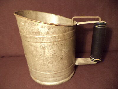 VTG.SAVORY SHAKER SIFTER w BLACK HANDLE APPROVED by GHKINSTITUTE
