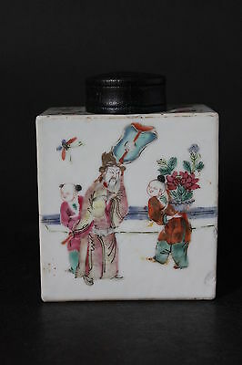 Beautiful antique Chinese Porcelain Tea Caddy or Container Daoguang period
