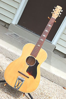 VINTAGE 1960'S HARMONY STELLA PARLOR ACOUSTIC GUITAR