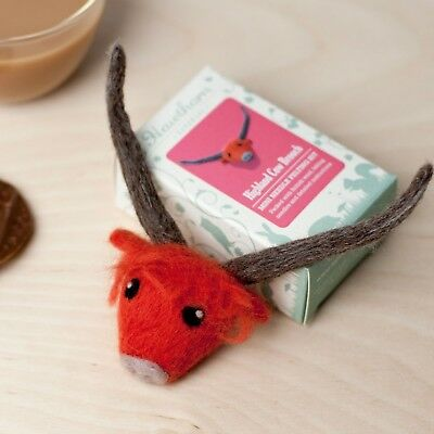 Mini Highland Cow Brooch Needle Felting Kit - Make Your Own - British Wool Craft