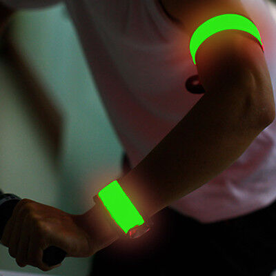 Hi-Go Snap LED Bracelet for running cycling runners cyclers - GREEN Color - 1