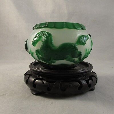 Vintage Chinese green Peking glass brush washer water coupe Republic horses