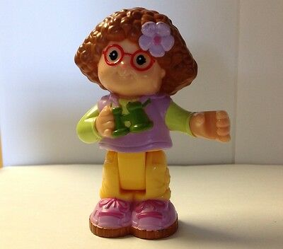 "Fisher Price Little People 2008 Maggie W/Binoculars & Jointed Legs - 3 1/4"" Tall"