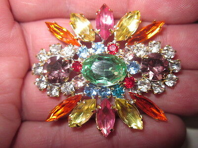 VINTAGE  BROOCHES - HAND CRAFTED CZECH GLASS CLAW SET IN METAL xxx360
