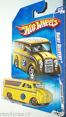 HOT WHEELS 2009 MODIFIED RIDES 1/64 YELLOW DAIRY DELIVERY #02/10 REDLINE RACING