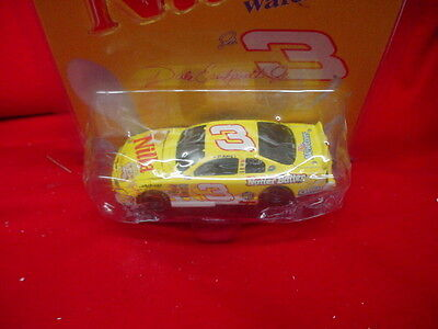 DALE EARNHARDT JR  # 3 NILLA WAFERS/NUTTER BUTTER  1/64 SCALE