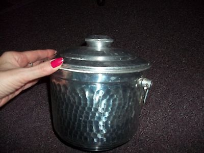VINTAGE HAMMERED ALUMINUM ICE BUCKET made in ITALY good condition