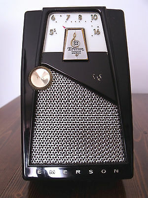 "Emerson 888 ""Explorer"" Nevabreak Pocket Radio"