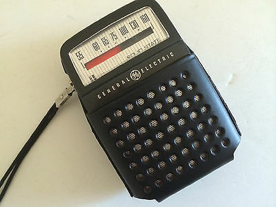 HTF Vintage GE Electronic Ind Ltd P-2700 AM Transistor Radio W/leather case