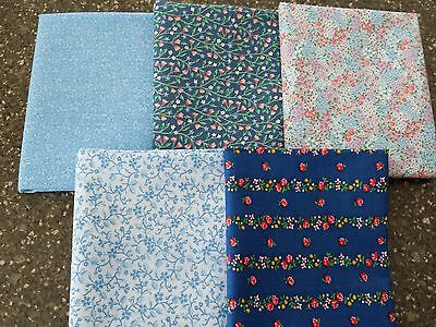 Lot 5 FQs = 1 1/4 yds Blue Floral Calico from Closed Quilt Shop