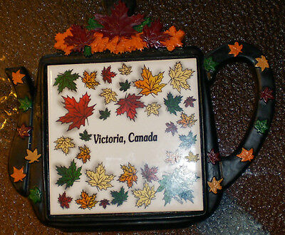 VICTORIA B.C CANADA TEAPOT KITCHEN TRIVET TILE BEAUTIFUL DISPLAY ONLY MAPLE LEAF