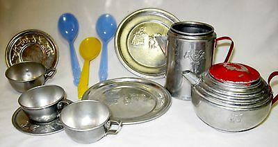 Vtg Toy Dishes 3 LITTLE KITTENS doll kitchen set Mirro Like Mothers Aluminum