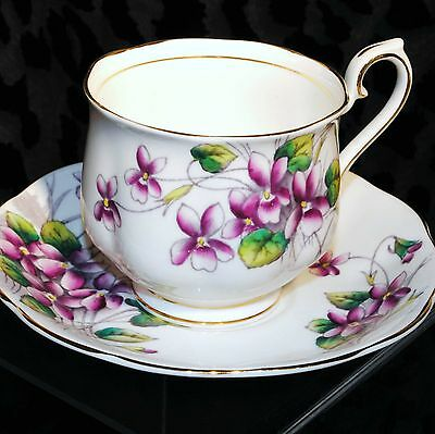 ROYAL ALBERT BONE CHINA TEA CUP SET FLOWER OF THE MONTH  VIOLETS ENGLAND
