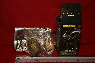 RARE KUBRICKS ALIEN SERIES 1 EGG AND FACE HUGGER UNOPENED FIGURES Film, TV & Videospiele