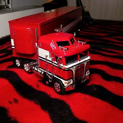 Dcp custom painted Bj and the Bear tractor & trailer 1/64th scale kenworth k100