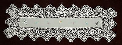 VINTAGE HAND EMBROIDERED TABLE RUNNER WITH CROCHET BORDER