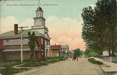 Rare  Postcard, New York, Bloomingdale, Town Hall and street