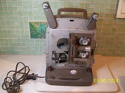 VINTAGE BELL AND HOWELL 8MM MOVIE PROJECTOR MODEL 253 AX NO BULB!!!
