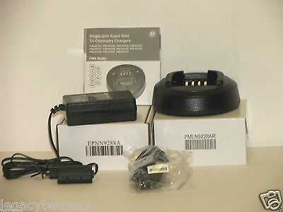 Motorola CP185 Rapid Tri-Chemistry Charger PMLN5228AR Base EPNN9288A Pwr Supply
