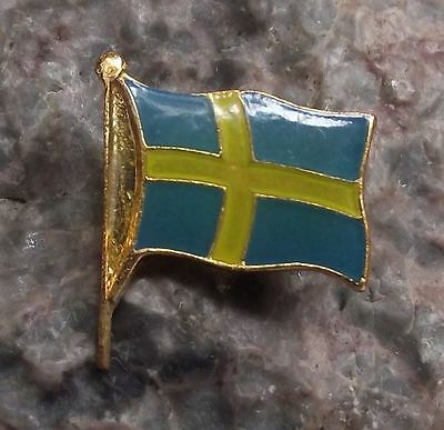 Swedish National Flag Sweden Scandinavian Cross Tourist Pin Clasp Brooch Badge