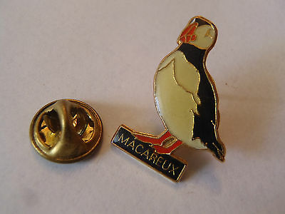 Pin's Macarieux