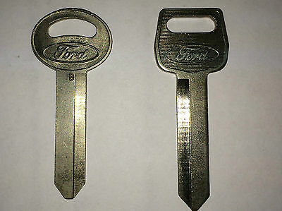 """FORD KEY BLANKS NEW  """"FAMILY OF FINE CARS""""  LOGO NEW UNCUT LOT OF 2"""