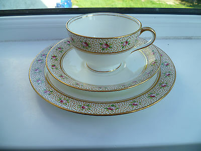 Lovely Vintage / Antique Aynsley China Trio Tea Cup Saucer Plate A 3242 Roses