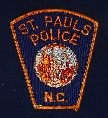 St. Pauls, North Carolina Police Shoulder Patch (invp2697)