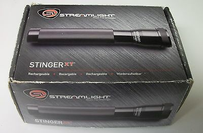 Streamlight STINGER XT Rechargeable Flashlight W Box, Charger. Papers. 75013