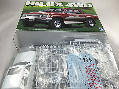 Aoshima 08218 LN107 HILUX PICK UP DOUBLE CAB 4WD 1/24 scale kit 008218