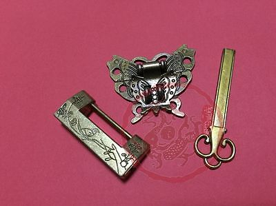 Chinese Old Carved Bird Flower Leaf Padlock & Butterfly Lock Latch Clasp For Box