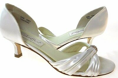 Coloriffics Fantasy Women's White Satin Pump, #5861
