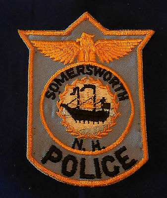 Somersworth, New Hampshire Police Shoulder Patch (invp2573)