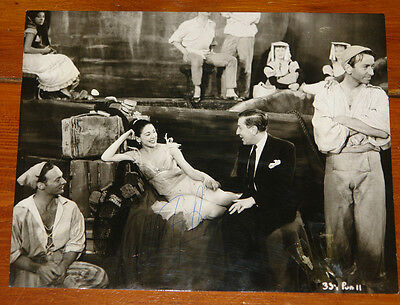 Margot Fonteyn Authentic Beautiful Hand Signed Press Photo Ballet Autograph 20