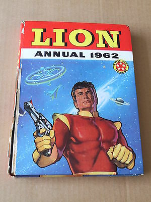 LION ANNUAL (1962) Very Good Minus Condition - Nice interiors!
