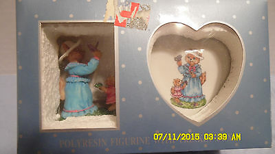 Polyresin figurine, Mother Cat & Kitten with ceramic trinket box, NEW, NIB, AMES