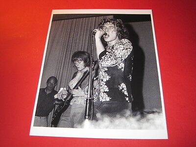 LED ZEPPELIN ROBERT PLANT  10x8 inch lab-printed glossy photo P/3144