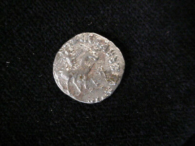 Indo Greek Silver Coin With Karosthi Legend #e4029