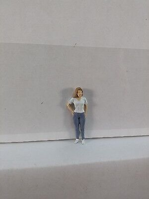 Arttista Young Woman Standing #1106 - O Scale On30 On3 Figures People - Artista
