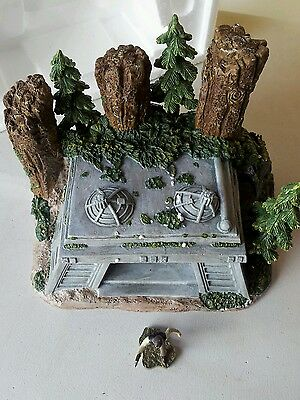 Star Wars Endor Bunker Mini Village Collection with Han Solo