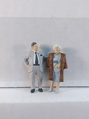 Arttista Wealthy Senior Couple - #1358 - O Scale On30 On3 Figures People - New