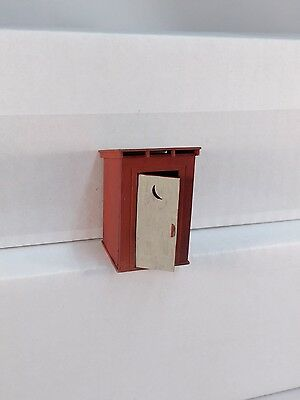 Arttista Outhouse Building w/swinging door #1300- O Scale On30 On3 Figures - New