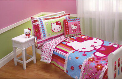 Hello Kitty 4pc Toddler Bedding Set