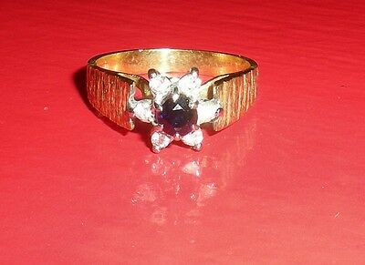 BEAUTIFUL VINTAGE 18ct YELLOW GOLD SAPPHIRE & DIAMOND CLUSTER RING SIZE M1/2