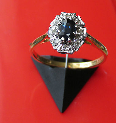 BEAUTIFUL VINTAGE 18ct YELLOW GOLD SAPPHIRE AND DIAMOND CLUSTER SIZE O 1/2