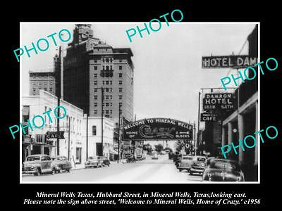 OLD LARGE HISTORIC PHOTO OF MINERAL WELLS TEXAS, CRAZY SIGN ON HUBBARD St c1950