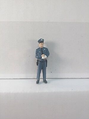 Arttista Policeman Writing a Ticket #1448 - O Scale On30 On3 Figures People New