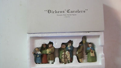 Dept 56 - Dickens Lot 2: Carolers - White And Black Post